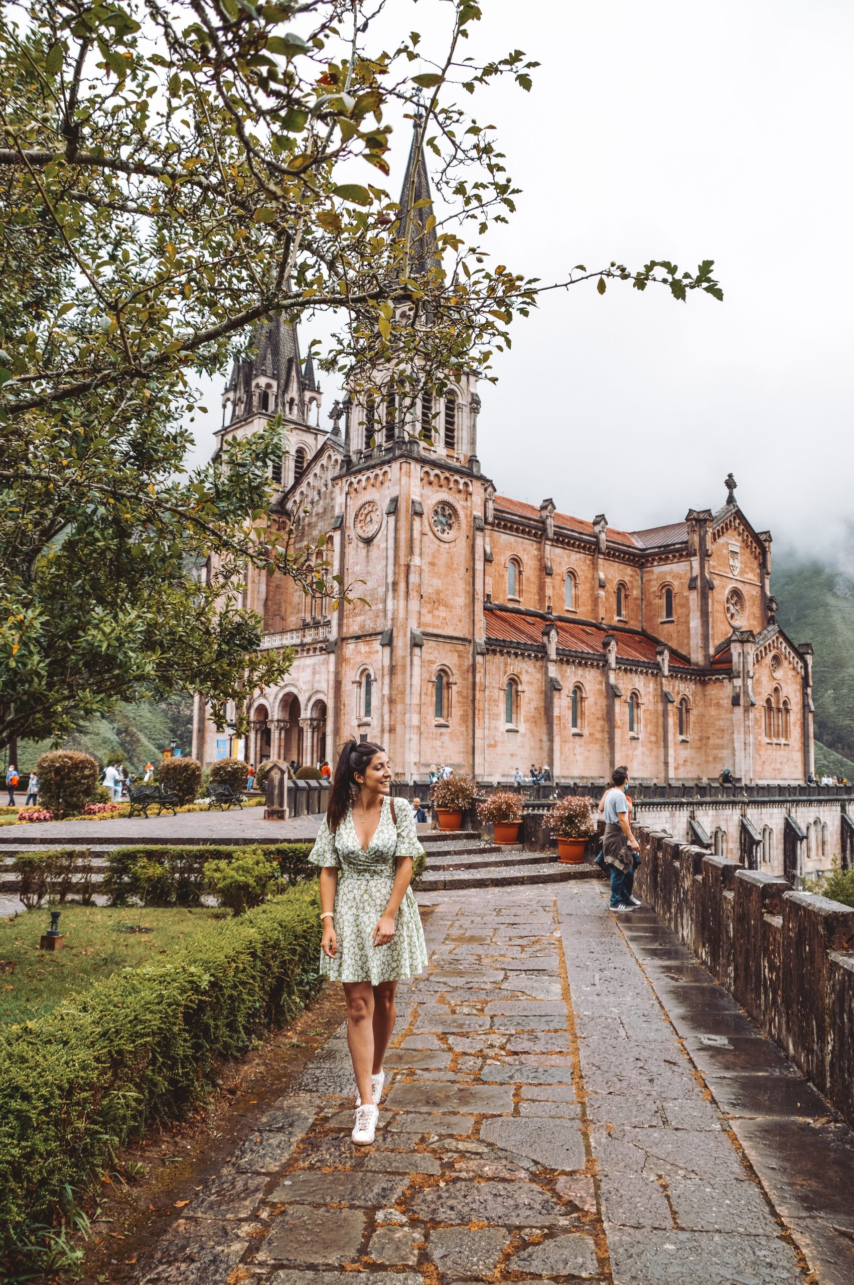 Basilica de Covadonga que ver en Asturias