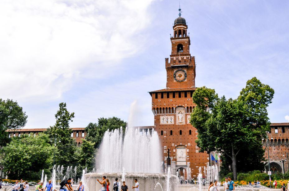 Castillo del Sforesco Milan