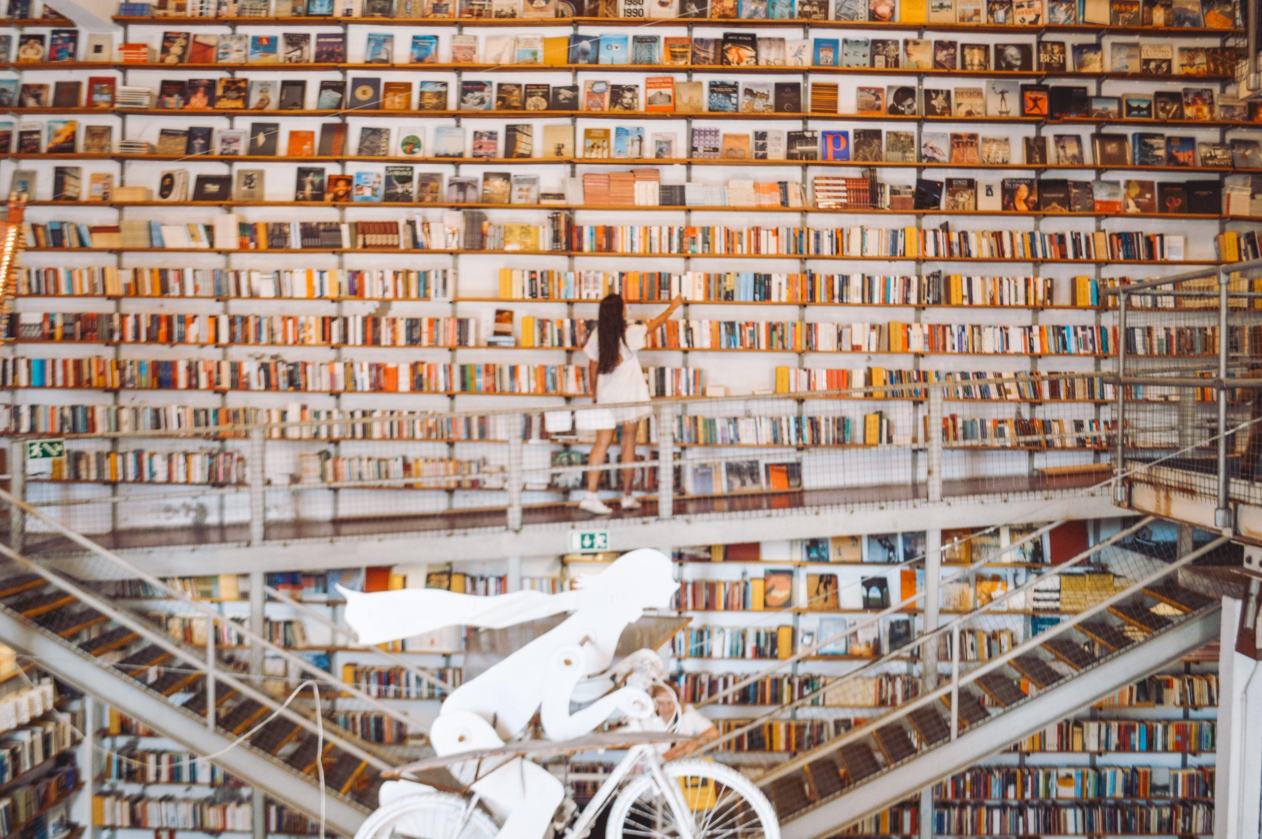Livraria Ler Devagar que ver en Lisboa